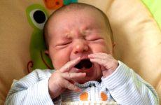 Про що говорить затяжний нежить у немовляти?