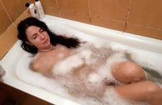 Чи можна купатися при ангіні без температури?