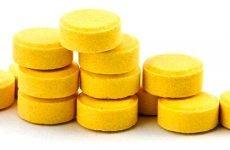 З якими таблетками готують розчини для полоскання горла при ангіні?