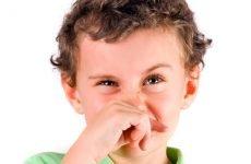 Що робити при постійному нежиті у дитини і дорослого?