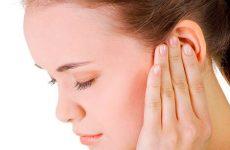 Що робити, якщо при нежиті заклало вухо?
