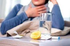 Чим потрібно полоскати горло при ангіні?