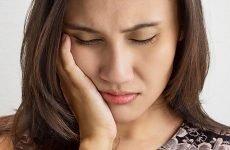 Може боліти вухо від хворих або видалених зубів?