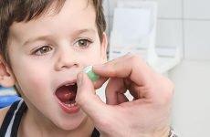 Як лікувати ангіну у дитини антибіотиками?
