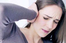Що робити якщо болить вухо при ковтанні?