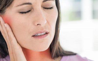 Біль у горлі віддає у вухо, чому так відбувається?