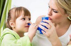 Чим промити ніс при нежиті дитині або дорослому?