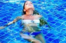 Можна з соплями в басейн, лазню або купатися