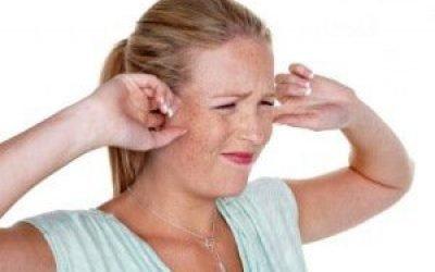 Причини і характерні симптоми тиску у вухах зсередини
