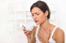Боляче ковтати, але горло не болить: що робити, причини і можливі захворювання