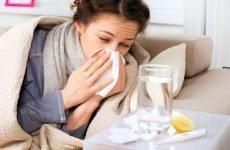 Чхання і нежить без температури: лікування у дорослих і дітей