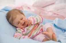 Грудне молоко від нежитю у немовлят: лікування і чи можна капати