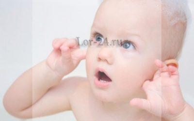 Як зрозуміти, що у малюка болить вухо – симптоми отиту?