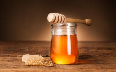 Мед в ніс від нежитю: лікування в домашніх умовах, можна капати