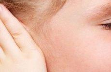 Мокне за вухами (екзема, золотуха або діатез): причини, симптоми і лікування