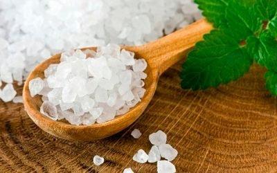 Морська сіль від нежиті і гаймориту: лікування в домашніх умовах