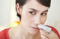 Носова кровотеча: причини і лікування, перша медична допомога