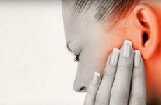 При ангіні болить вухо заклало: що робити, як і чим лікувати