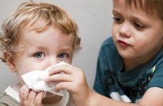У дитини соплі в носоглотці і не высмаркиваются: як лікувати внутрішній нежить