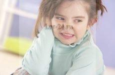 У дитини заклало вухо, що робити і чим лікувати?