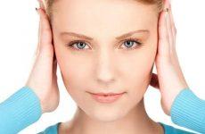 Закладає вуха під час тренування при фізичних навантаженнях в тренажерному залі