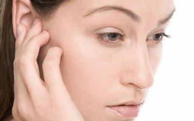 Біль за вухом: причини та можливі захворювання