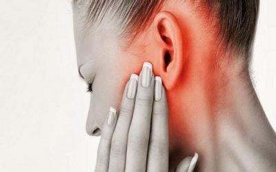 Болить вухо і віддає в щелепу: причини, діагностика та лікування