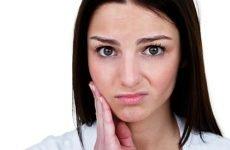 Болить зуб і віддає у вухо: причини і лікування