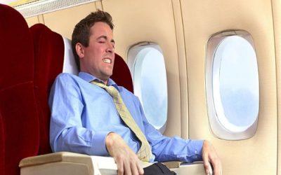 Що робити якщо заклало вухо у літаку