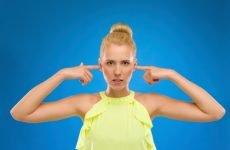 Гул у вухах: причини, лікування і що зробити