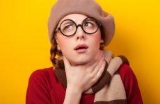 Коли сильно болить горло – діагнози і засоби лікування