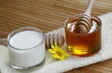 Молоко з медом від болю в горлі – рецепт приготування