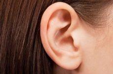 Чому лущаться вуха (лупа у вухах): причини і лікування