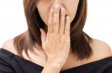 Втрата голосу при ларингіті – як лікувати, які ліки приймати