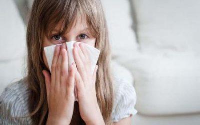 Причини мокротиння в горлі – чому накопичується слиз