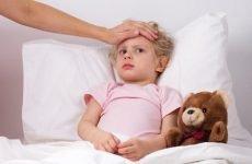 У дитини болить горло і температура – причини і лікування
