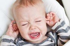 У дитини болить вухо, що робити і як лікувати