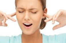 Закладеність у вухах: причини і що робити при цьому