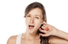 Сверблячка у вухах: причини, лікування та супутні симптоми