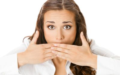 Кіста на мигдалині: причини, симптоми і лікування з операцією і без