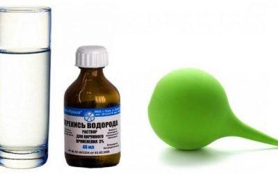 Як використовувати перекис водню при застуді: полоскання горла і промивання носа